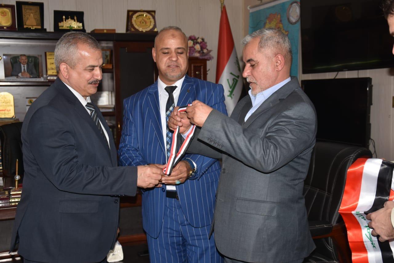 الشبكة الأعلامية للرقابة الشعبية تكرم الدكتور كاظم العقابي كأفضل شخصية لعام 2018 .