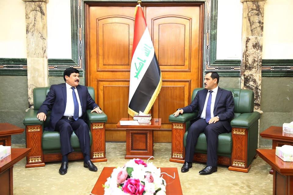 وزير الصناعة والمعادن يستقبل السفير السوري لبحث مجالات التعاون الصناعي بين البلدين