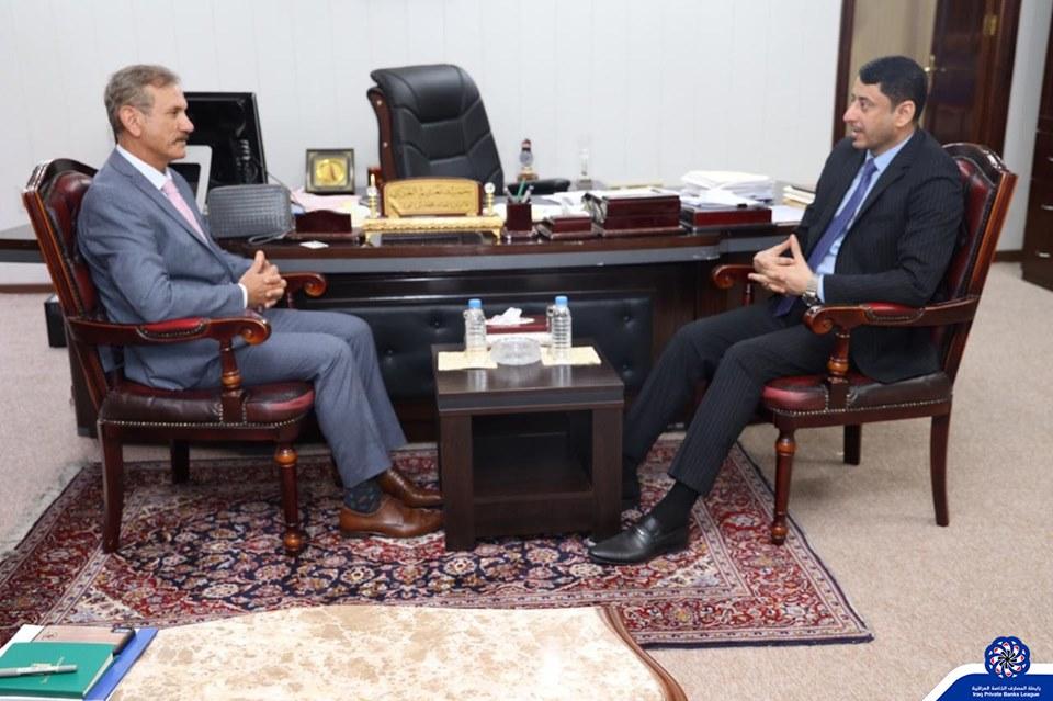 رئيس رابطة المصارف الخاصة العراقية وديع الحنظل يلتقي الامين العام لمجلس الوزراء حميد الغزي