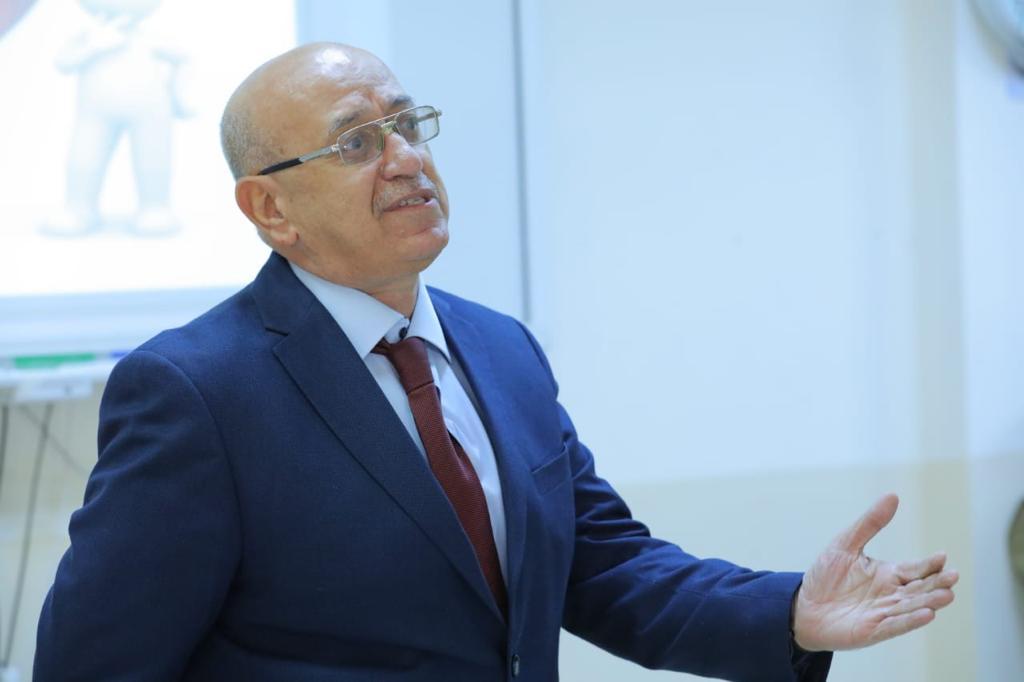 الدكتور علي الساعدي على قناة العراقية الاخباريه في تمام الساعة ١٠ مساء