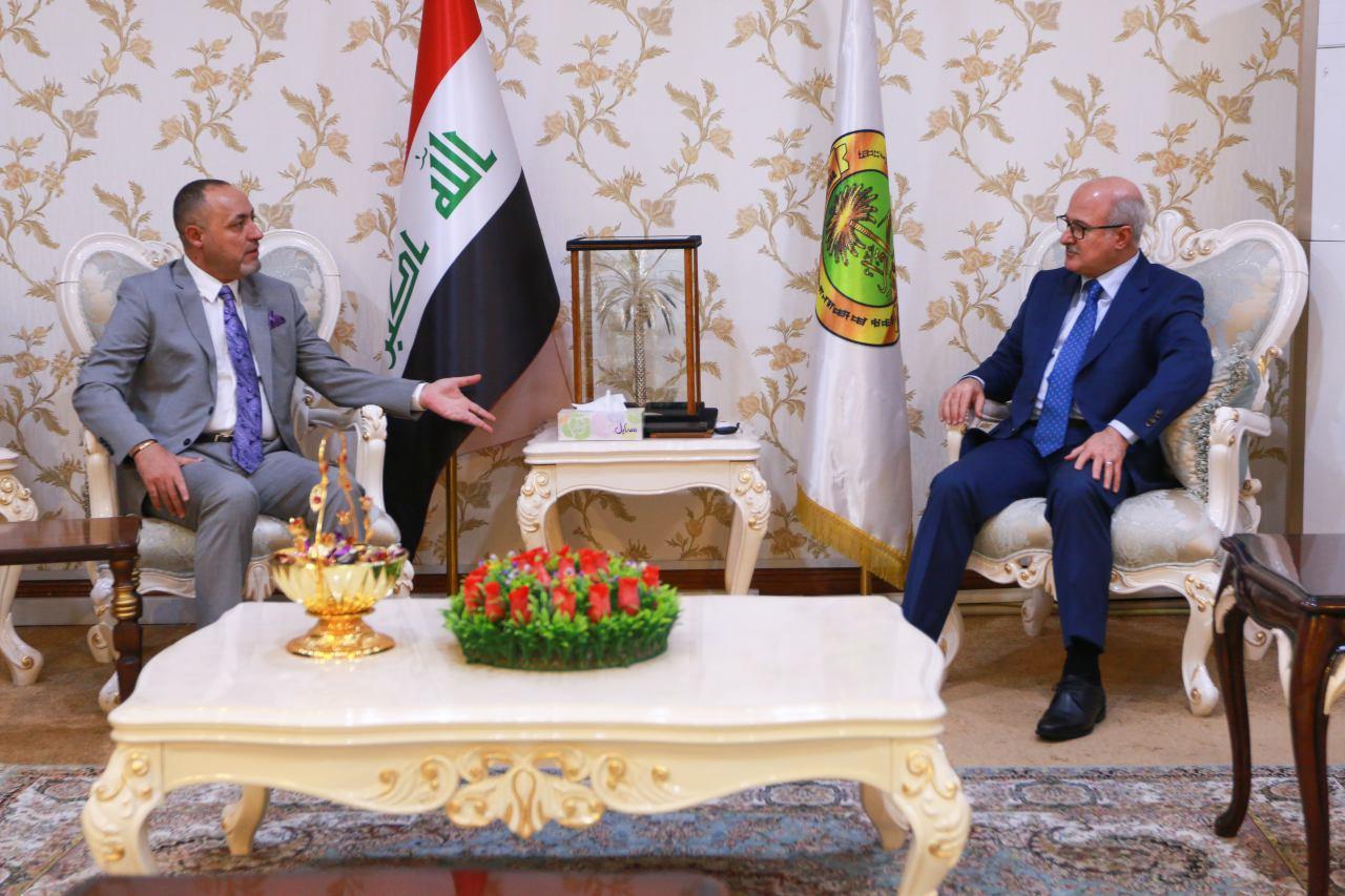 وزير التربية يلتقي رئيس شبكة الاعلام العراقي