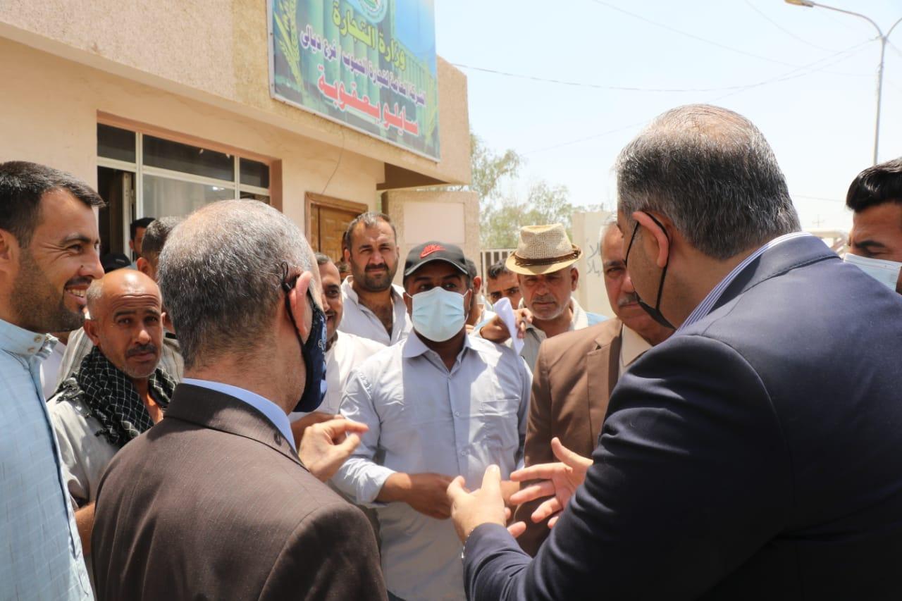 التجارة … مدير شركة المعارض العراقية يتفقد مواقع التسويق والخزن في سايلو بعقوبة وبلدروز ويتابع ميدانياً انسيابية تسويق الحنطة لعام 2021